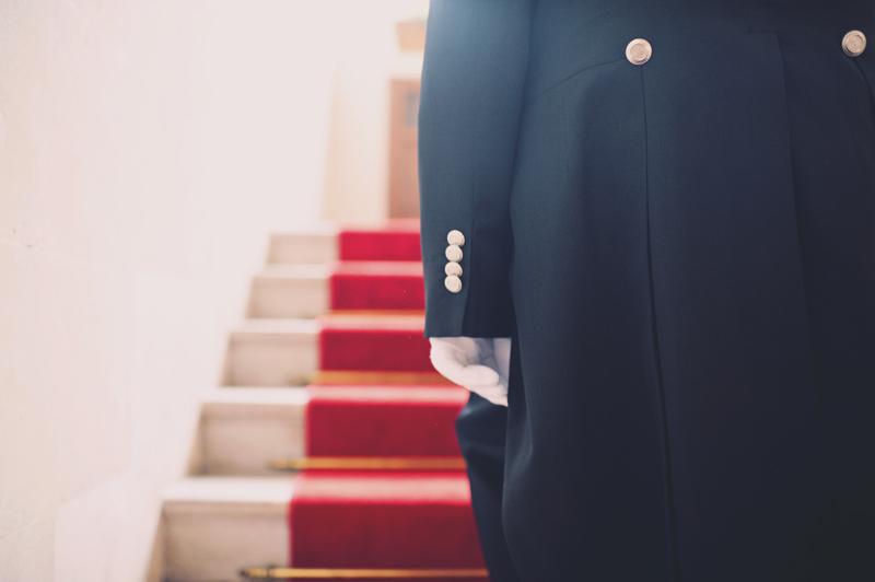 mariage à la mairie montée de marches