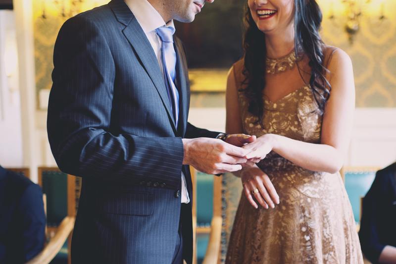 échange des alliances mariage à la mairie