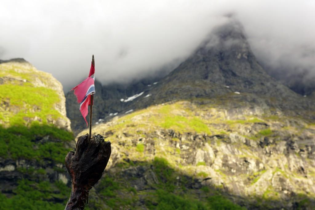 camping Trollstigen drapeau norvégien