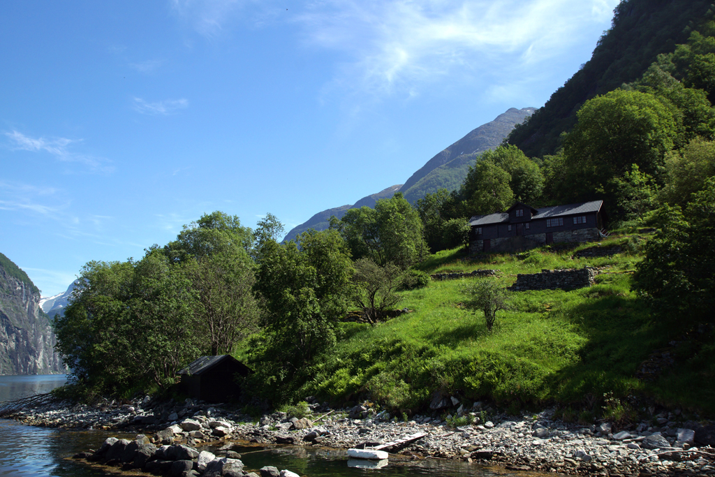ferme dans le fjord Geiranger