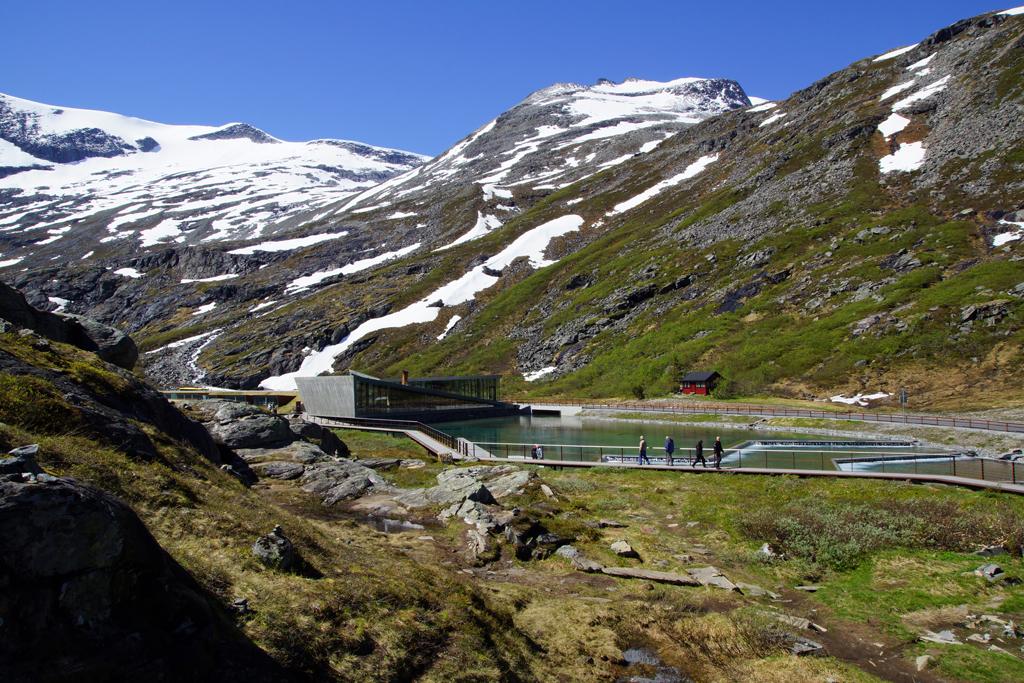 site touristique d'observation de la Trollstigen en Novège