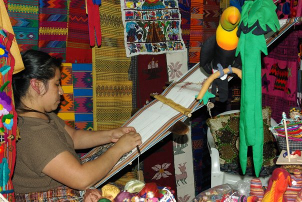 Chemin de table fait à la main par les artisans du Guatemala