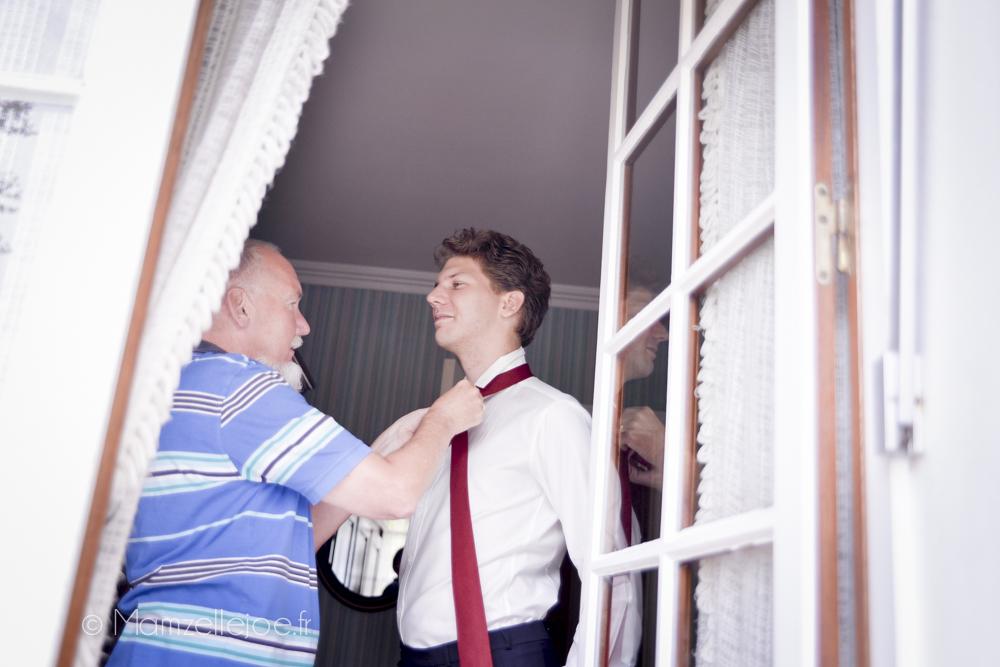 la cravate en lin du marié