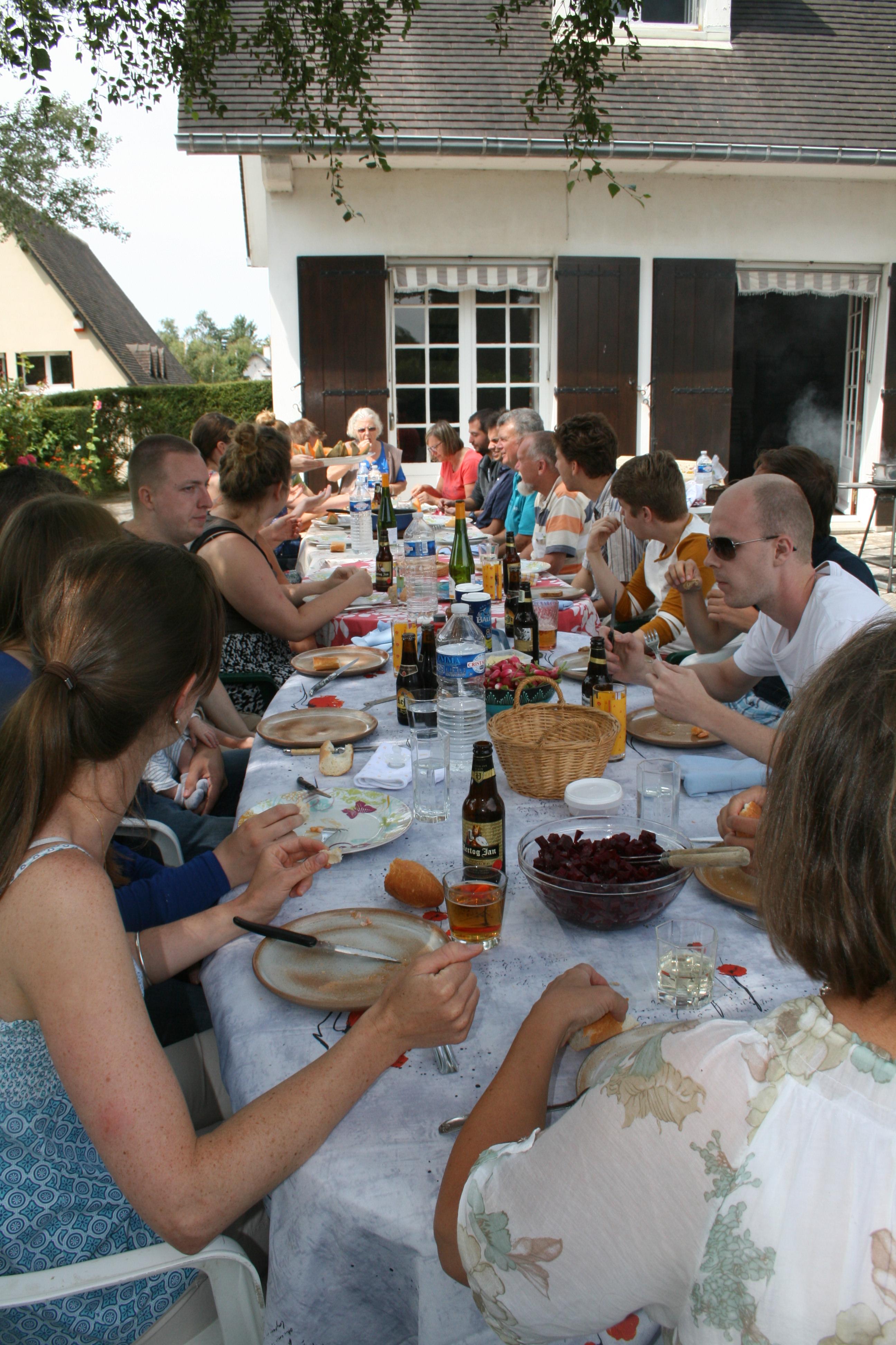 tablée de banquet d'astérix pour notre mariage participatif