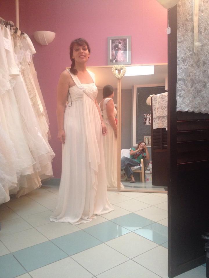 essayage robe de mariée empire