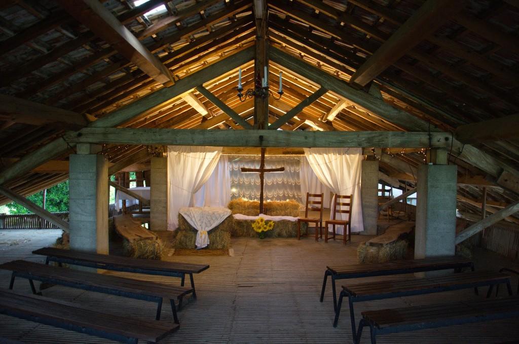 Le mariage franco-américain et romantique de Jeanne dans les champs de tournesols