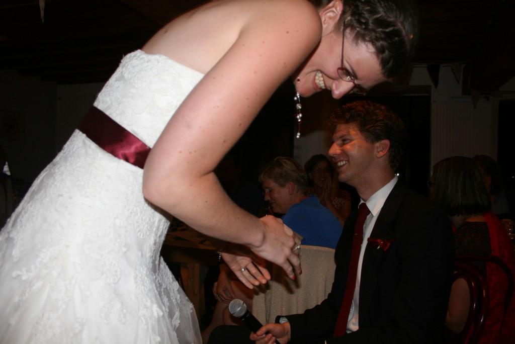 la mariée est morte de rire