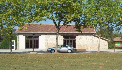 Salle communale du Mas Martin à Veyrac. Source : http://www.veyrac.fr/fr/salle-municipale-diaporama/318