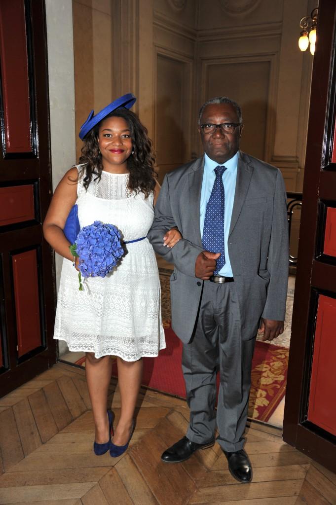 Mon mariage civil improvisé en blanc et bleu : la cérémonie