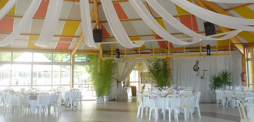camping-argeles-reception-02-833x400[1]
