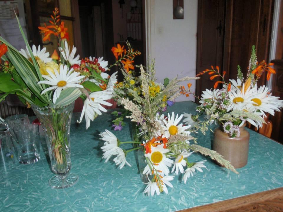 Retour d'expérience : faire soi-même sa décoration florale avec des fleurs du jardin
