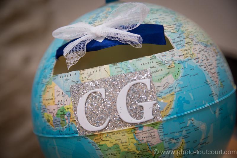 Urne de mariage en forme de globe pour le voyage de noces