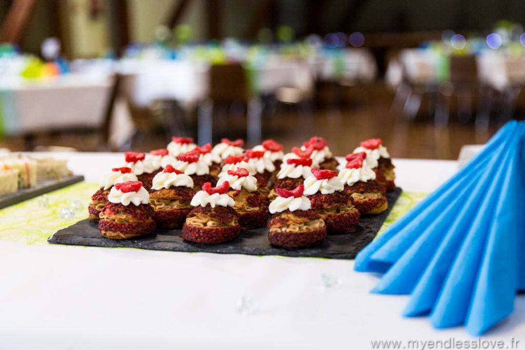 Repas de mariage : buffet d'entrée avec choux // Photo : My Endless Love Photography