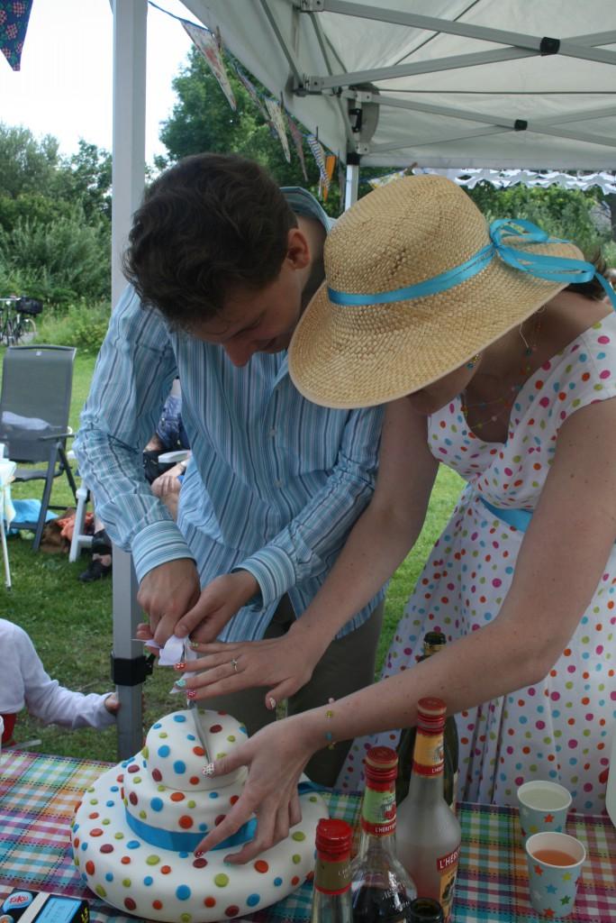 Un wedding-cake à pois pour mon mariage participatif