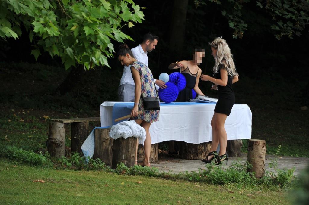 Mon mariage civil improvisé en blanc et bleu : la garden-party