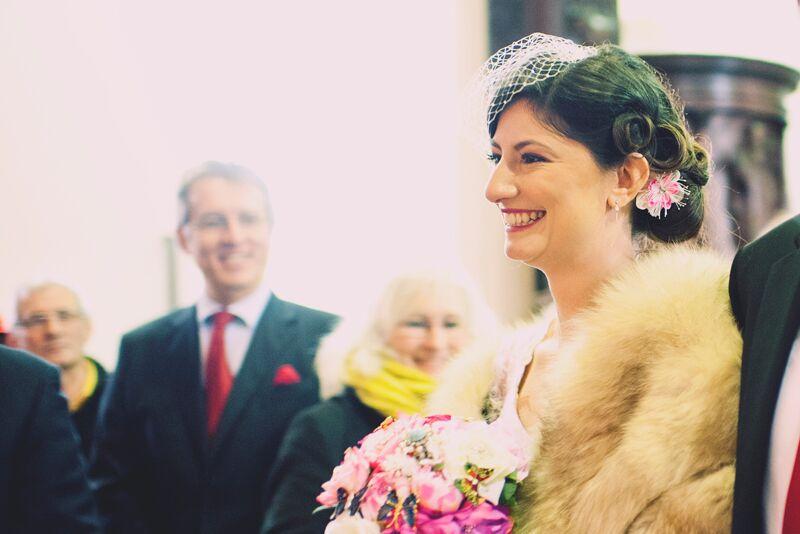 La mariée à l'église // Photo : Joyeuse Photography