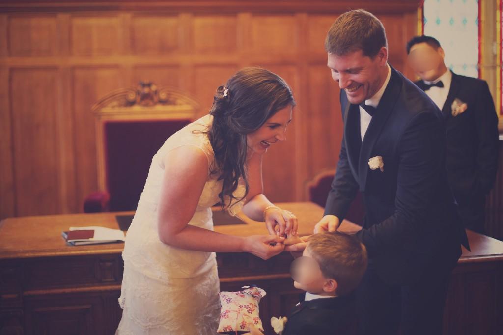 L'échange des alliances // Mon mariage en hiver et en origami : notre cérémonie civile entre rires et émotions