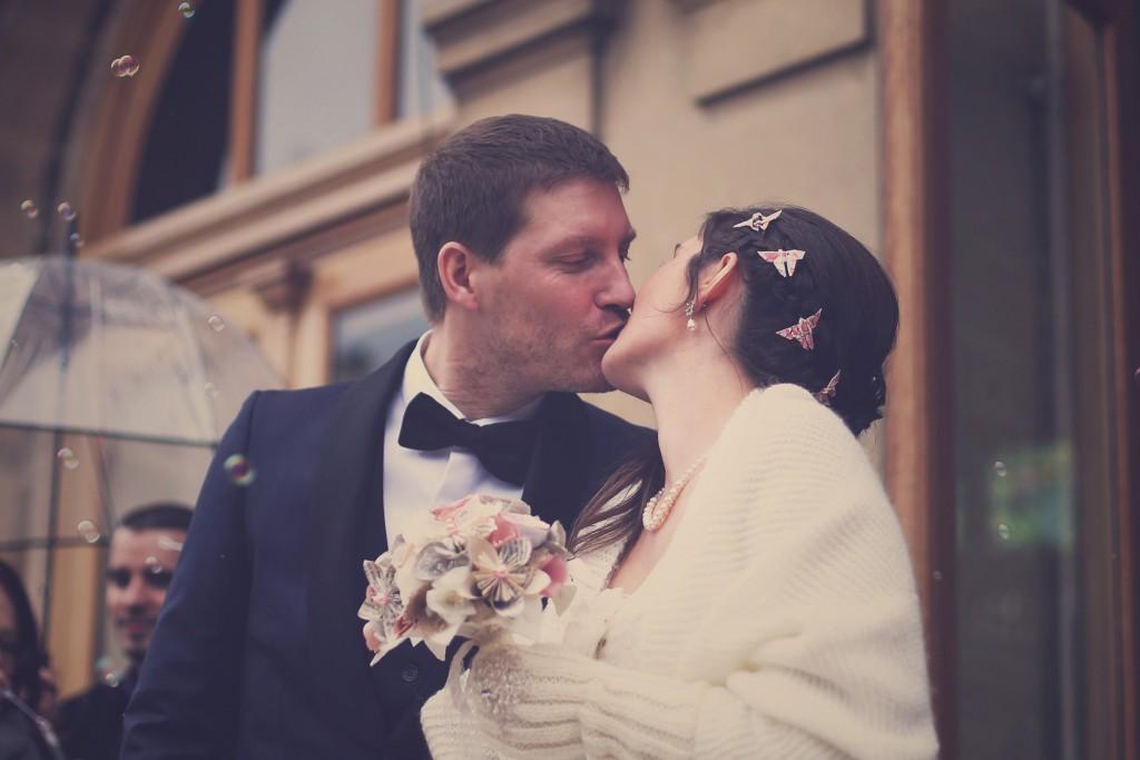 La sortie des mariés sous les bulles / photo : BabouchKAtelier