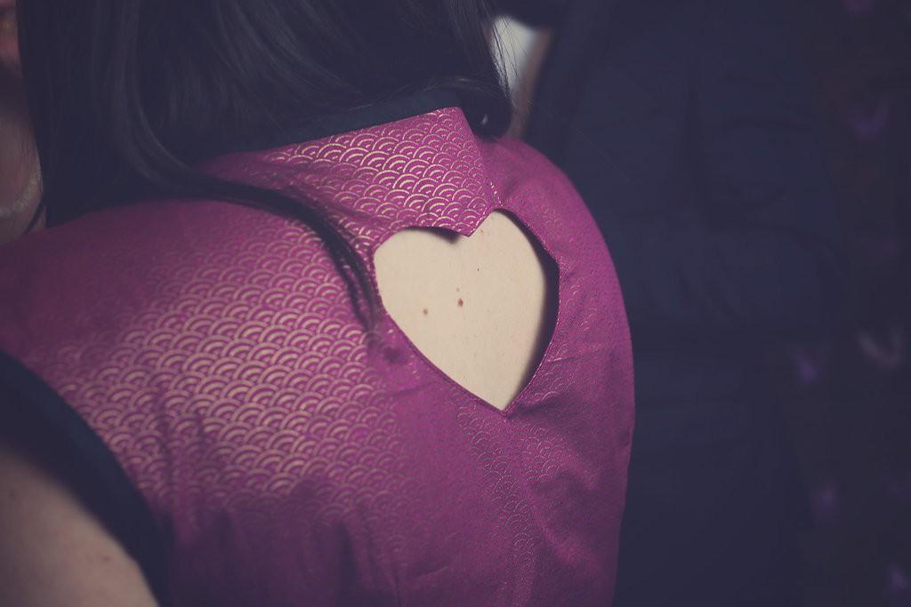 détail robe, coeur dans le dos