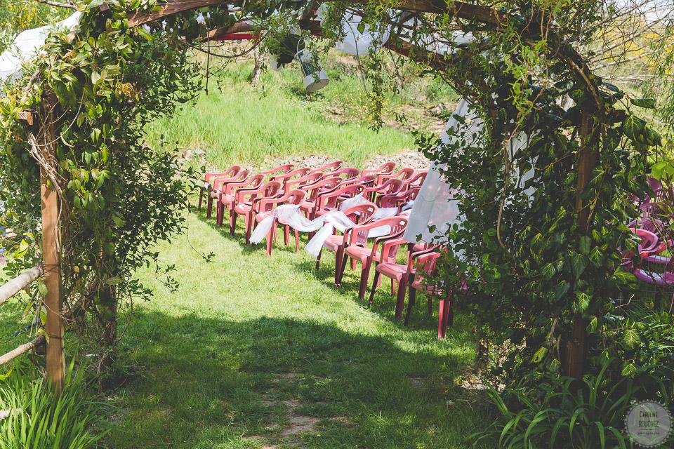 La décoration de notre cérémonie laïque en extérieur // Photo : Caroline Bouchez