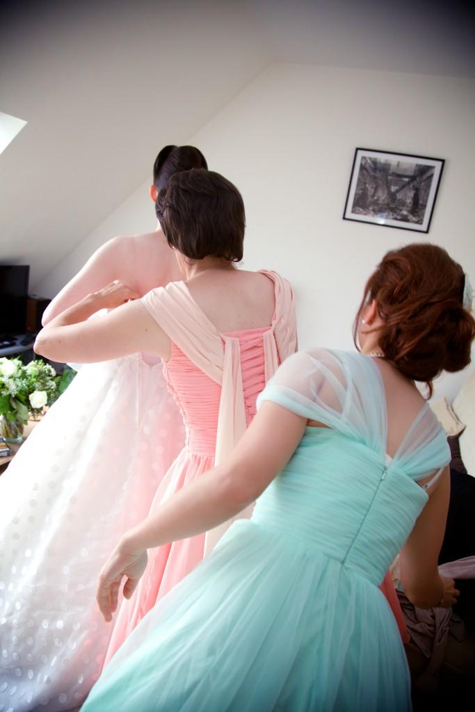 Un dress code rétro en pêche et vert menthe pour mon mariage ! // Photo : EDGN photo
