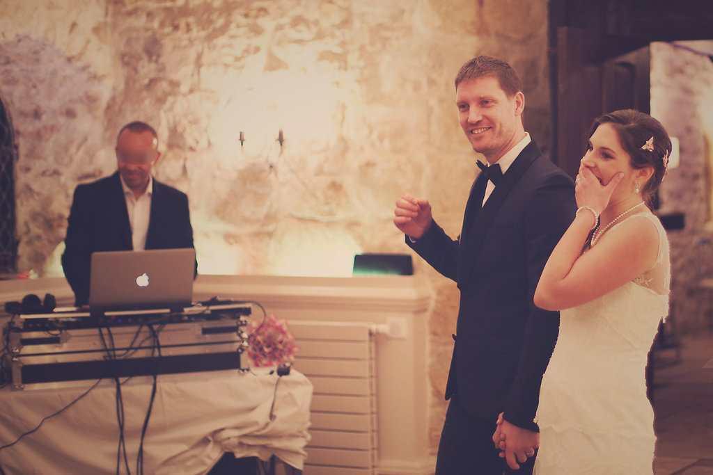Notre entrée dans la salle... chamboulée par une surprise des invités ! // Photo : Babouchkatelier