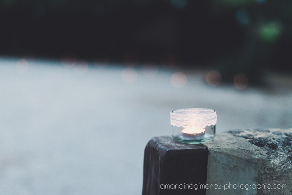 Les photophores avec un lien en dentelle // Photo : Amandine Gimenez