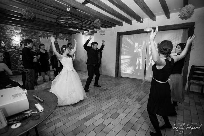 Une ouverture de bal avec le jeu Just Dance ! // Photo : Freddy Frémond