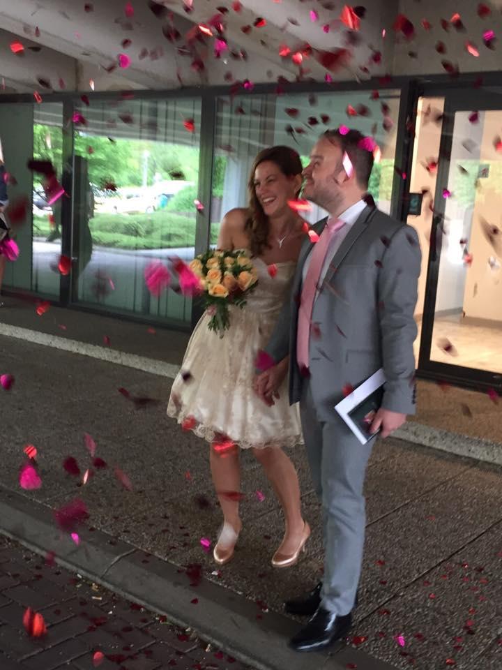 Déroulé de la cérémonie civile : la sortie sous les confettis !