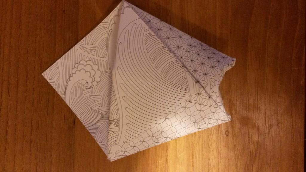 Des pochettes en origami avec du thé comme cadeau d'invités !