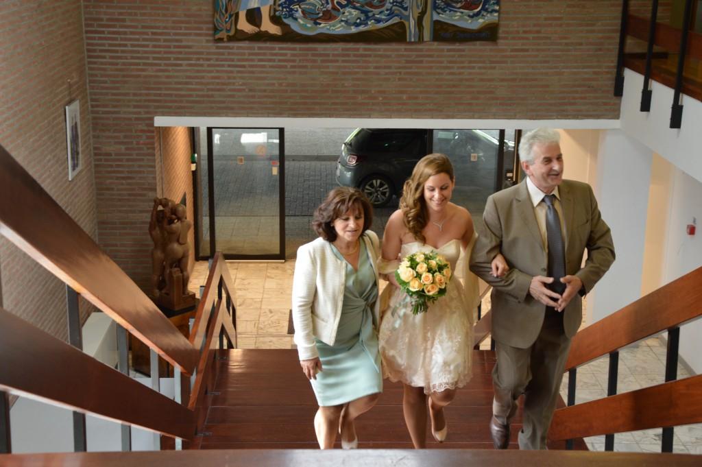 Déroulé de la cérémonie civile : l'arrivée aux bras de mon Papa et de ma Maman !