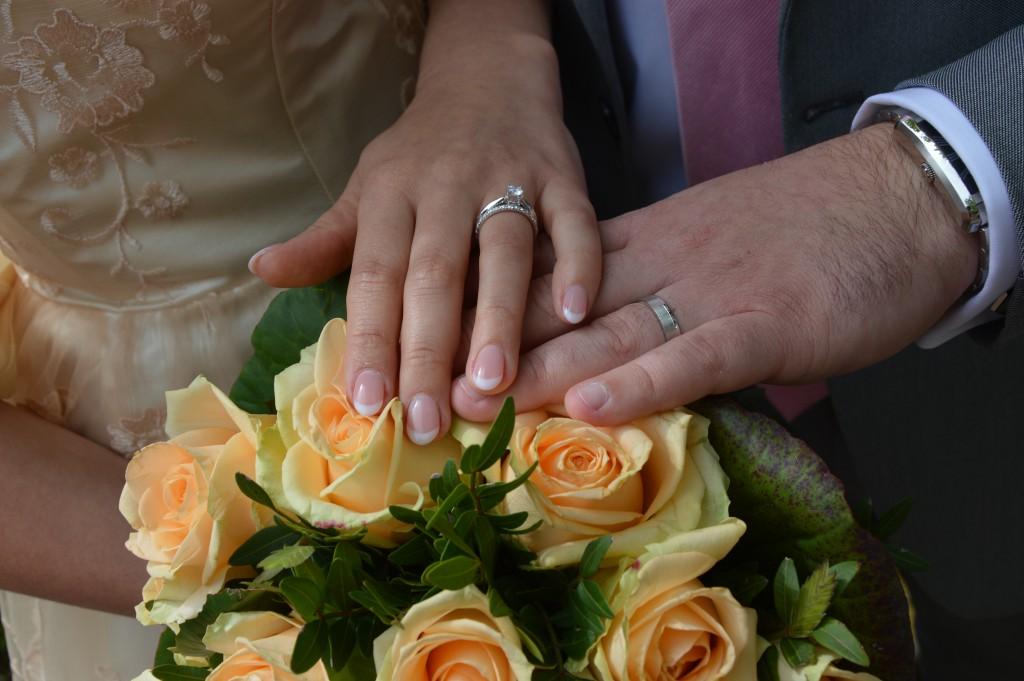 Nos alliances portées lors du mariage civil