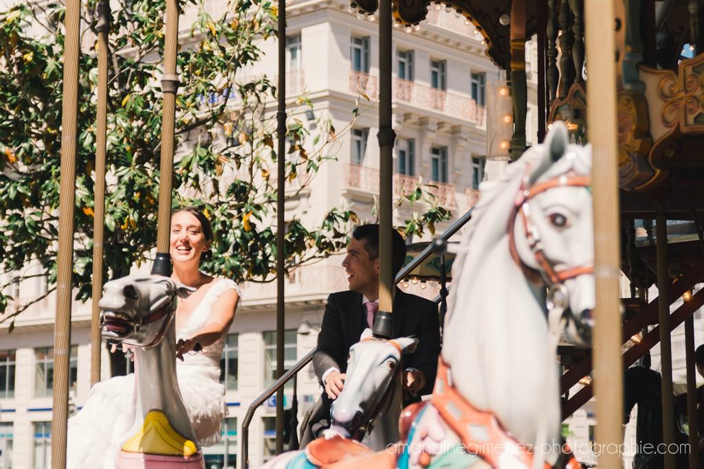 Nos photos de couple sur un carrousel à Marseille // Photo : Amandine Gimenez