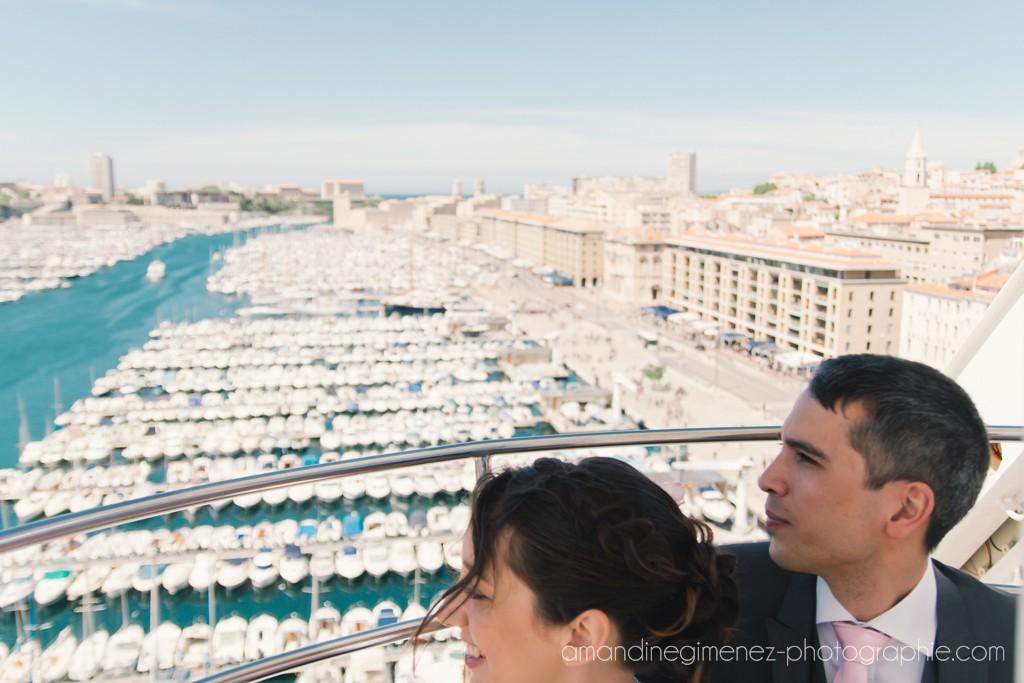 Nos photos de couple sur le Vieux Port à Marseille // Photo : Amandine Gimenez