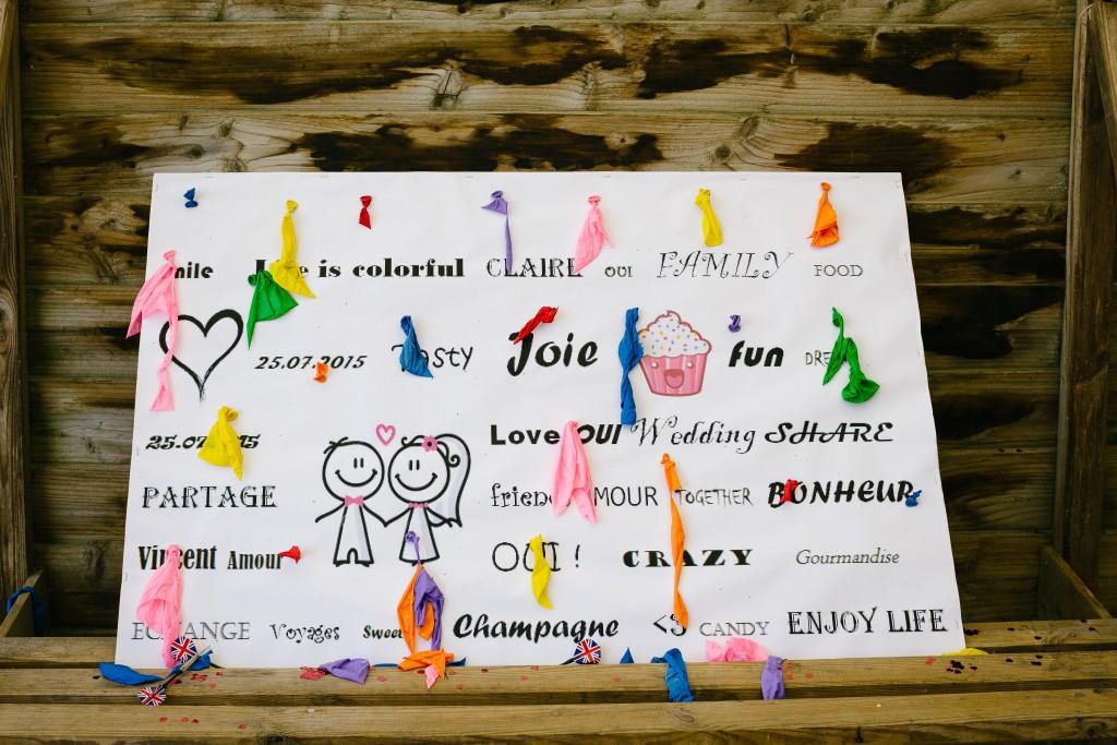 La décoration du jour J avec des ballons multicolores // Photo : Pierre Gobled