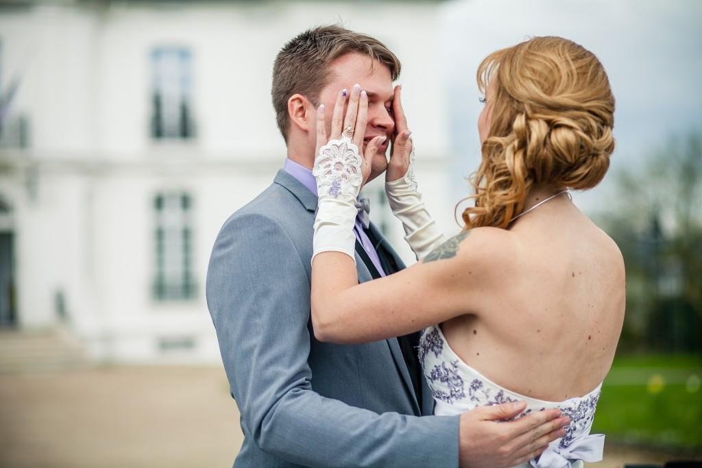 Mon mariage franco-américain en lilas et blanc : découverte avec mon fiancé // Photo : Sarah Dawson