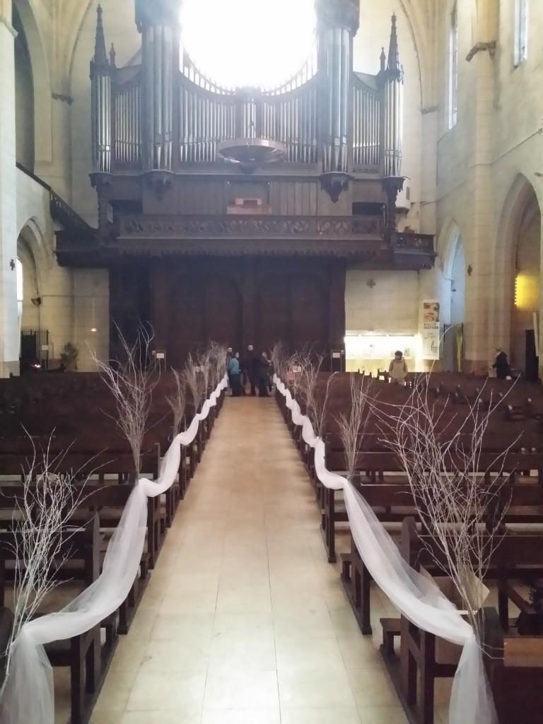 Mise en place de la déco dans l'église