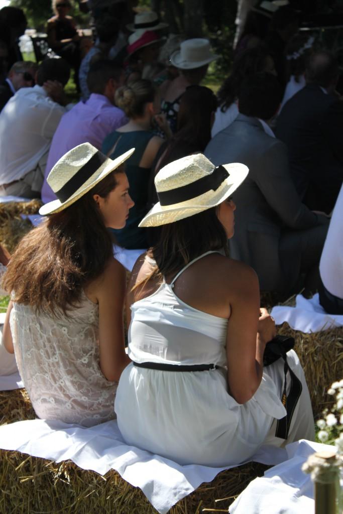 Déroulé de la cérémonie laïque en extérieur // Photo : BabouchKatelier