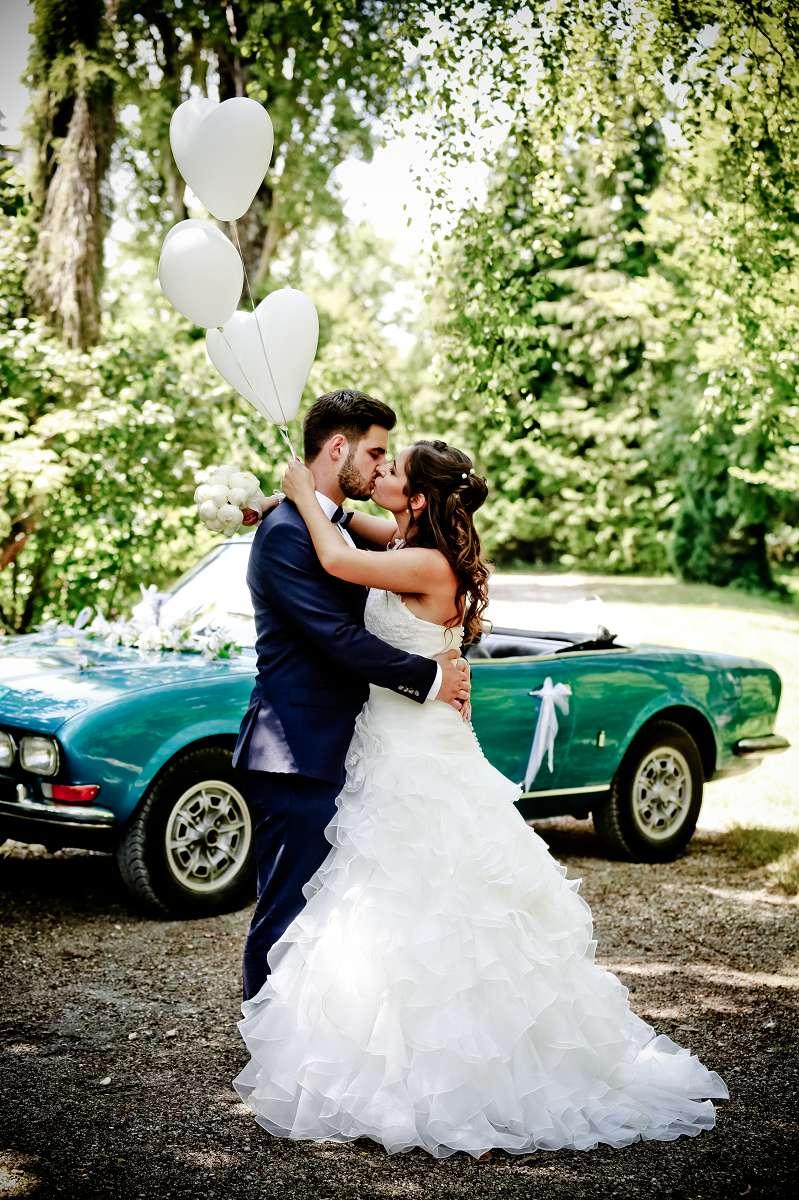 Le mariage d'Émilie avec une cérémonie laïque, beaucoup d'amis et des surprises en pagaille (13)