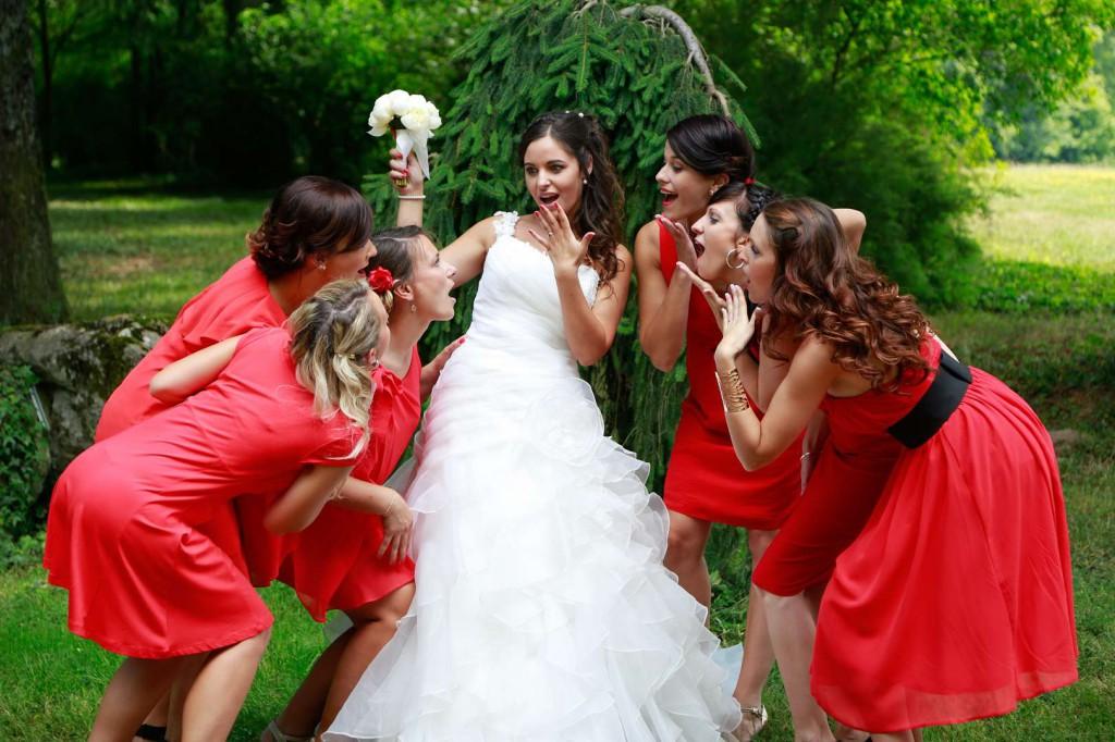 Le mariage d'Émilie avec une cérémonie laïque, beaucoup d'amis et des surprises en pagaille (16)