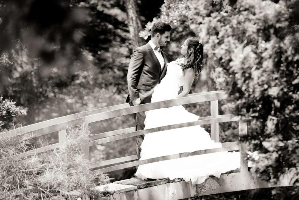 Le mariage d'Émilie avec une cérémonie laïque, beaucoup d'amis et des surprises en pagaille (9)