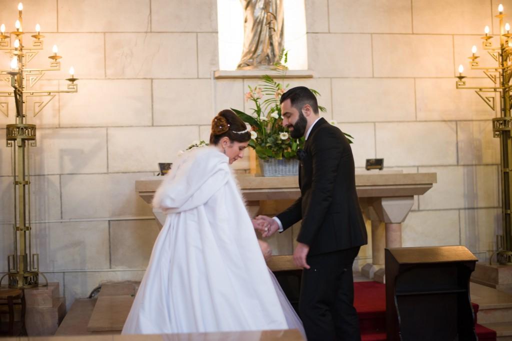 Déroulé de notre cérémonie religieuse : dépot du bouquet à la Vierge // Photo : Basile Crespin pour OccitanMultimédia