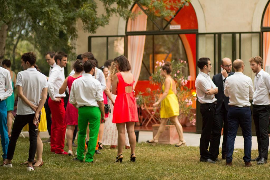 Le mariage coloré et bucolique de Caroline en Provence - photos  Morgane Ruiz et Benjamin Genet (13)
