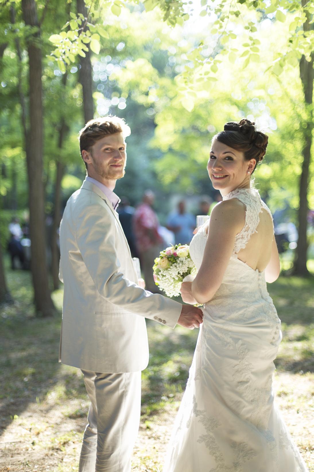 Le mariage coloré et bucolique de Caroline en Provence - photos  Morgane Ruiz et Benjamin Genet (15)