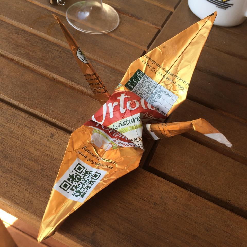 Des grues en origami comme déco de mariage