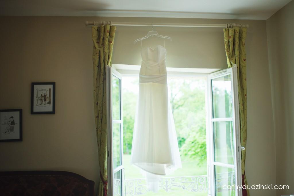 Remerciements à mes prestataires : Carrière Mariage pour la robe // Photo : Cathy Dudzinski