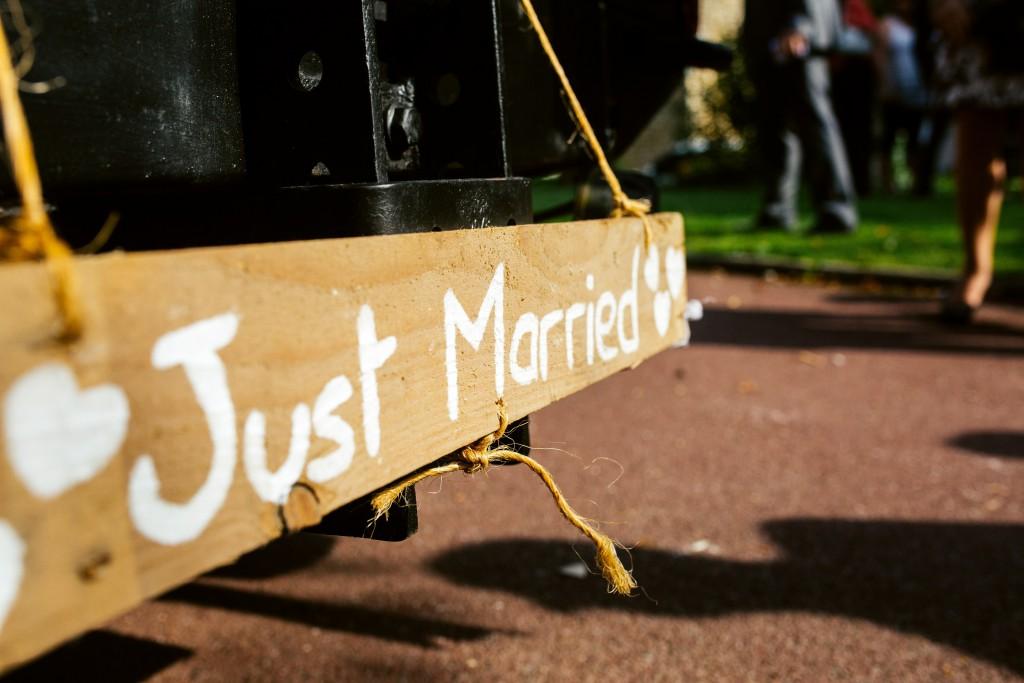Comment annoncer la liste de mariage aux invités ? // Photo : Karimage
