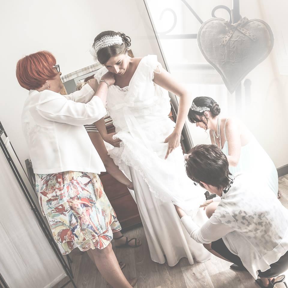 Le mariage de Mme Rétro avec un dress code headband et moustaches (1)