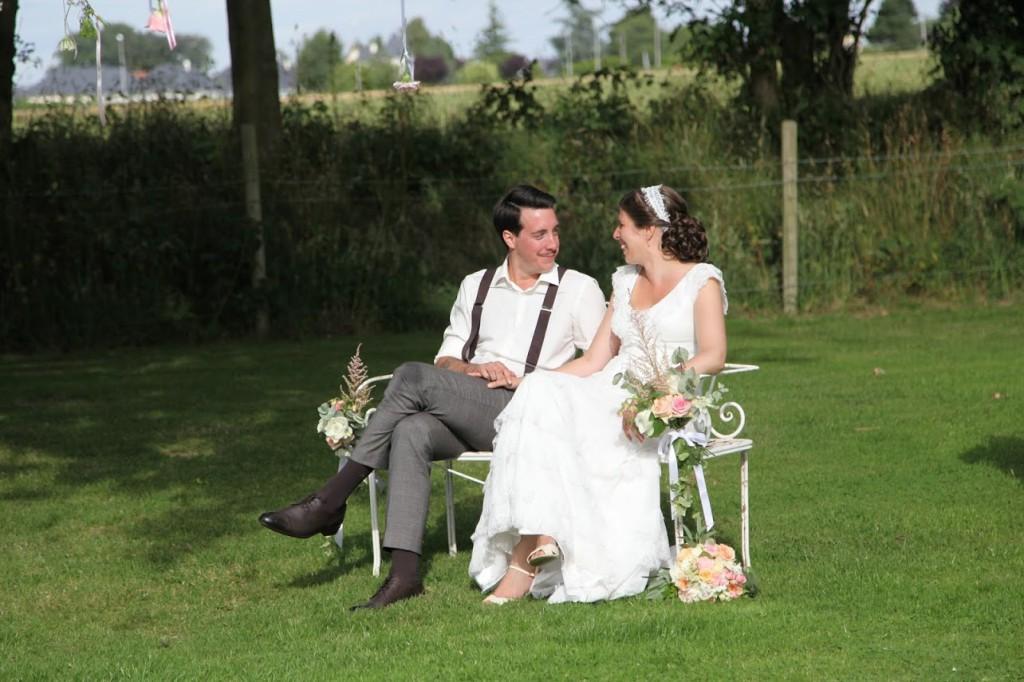 Le mariage de Mme Rétro avec un dress code headband et moustaches (8)