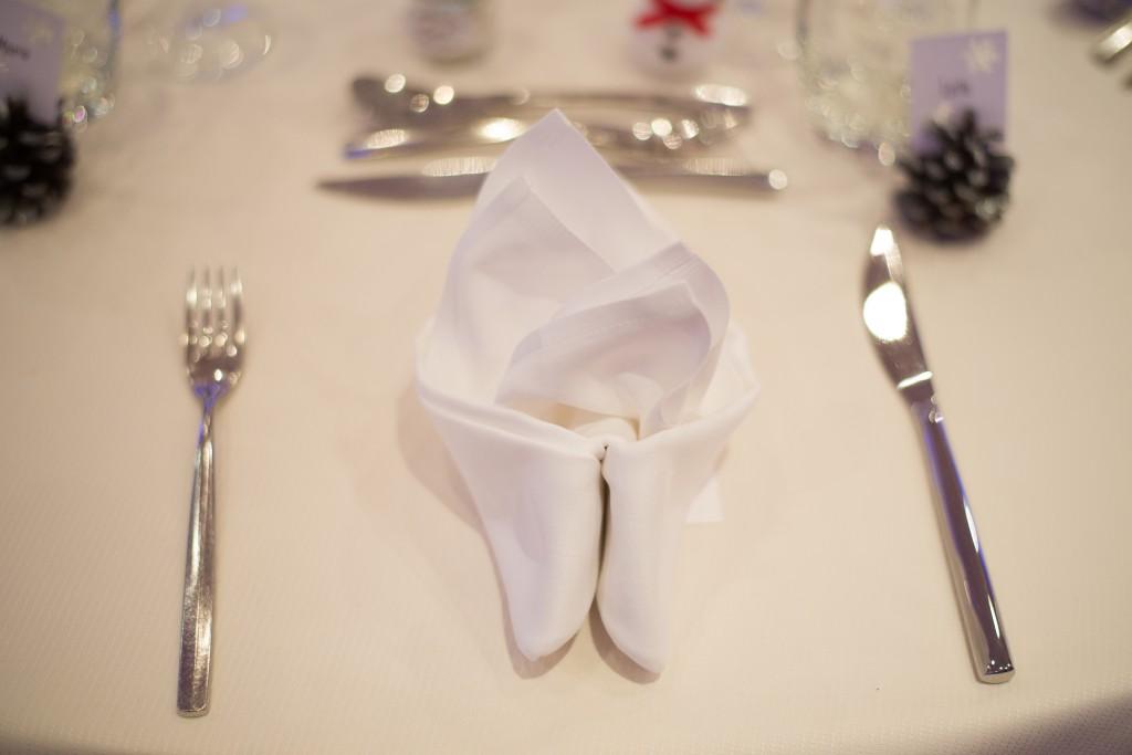 Décoration de nos tables, sur le thème hivernal // Photo : Basile Crespin